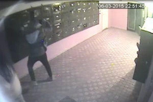 Mladíka identifikovali podľa kamerového záznamu.