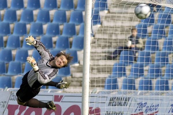Momentka zčias, keď Branislav Rzeszoto strážil bránu MŠK Žilina. Získal sňou dva tituly.