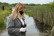 Prezidentka SR Zuzana Čaputová počas návštevy areálu Senianskych rybníkov.