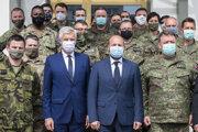 Na snímke sprava v popredí veliteľ NFIU plukovník Peter Brauner, minister obrany SR Jaroslav Naď (OĽaNO) a minister zahraničných vecí a európskych záležitostí SR Ivan Korčok (nomnant SaS)