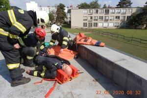 Cvičenie hasičov.