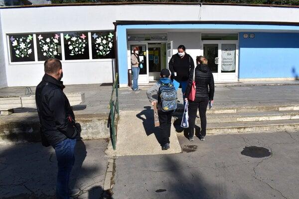 Školské brány otvorila aj ZŠ DSA Mukačevská Prešov.