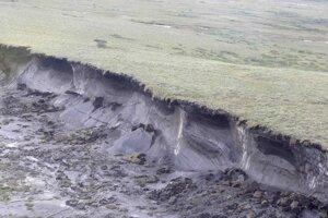 Zosuv rozmrazeného permafrostu  v Kanade v lete 2009.