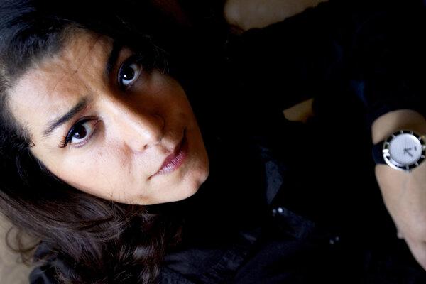 Francúzska režisérka Marjane Satrapi je pôvodom z Iránu. Jej film Persepolis bol nominovaný na Oscara. Dnes má v kinách Radioactive.