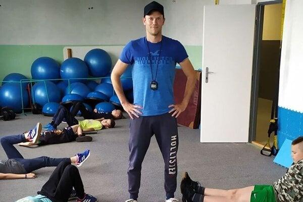 Hokejový brankár, a dnes už tréner, Vladimír Kováč.