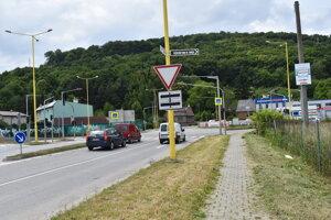 Svetelná križovatka Pražská – Jána Pavla II – Pod Kamennou baňou v Prešove.