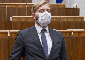 Juraj Krúpa, predseda parlamentného výboru pre obranu a bezpečnosť.