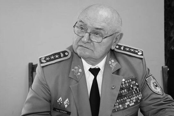 Generálporučík Pavel Honzek.