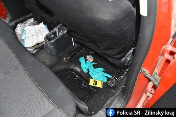Zadržaný muž tvrdil, že má drogy od osoby z Kysuckého Nového Mesta.