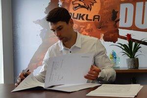 Samuel Takáč sa sťahuje do Michaloviec. V stredu s nimi podpísal kontrakt.
