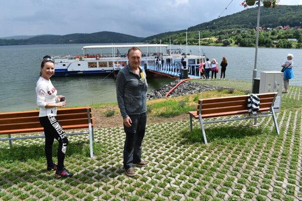 Ľubomír Paulovič na Domaši pred výletnou loďou.