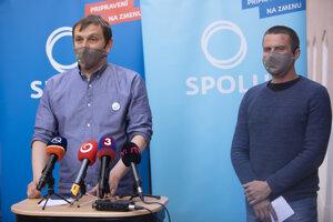 Novozvolený predseda strany SPOLU Juraj Hipš a novozvolený podpredseda strany SPOLU Erik Baláž.