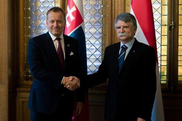 Predseda NR SR Boris Kollár a predseda maďarského Národného zhromaždenia László Kövér (vpravo) počas prijatia v Budapešti v utorok 30. júna 2020. Boris Kollár pricestoval na jednodňovú návštevu Maďarska.