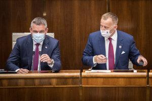 Podpredseda Národnej rady Peter Pellegrini a šéf parlamentu Boris Kollár.