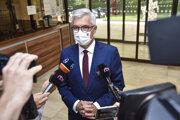 Minister zahraničných vecí a európskych záležitostí SR Ivan Korčok počas príchodu na 28. schôdzu vlády SR 8. júla 2020.
