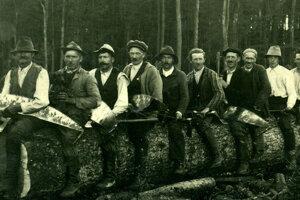 Huncokári boli Nemci živiaci sa drevorubačstvom v lesoch Malých Karpát.