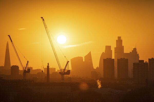 Pohľad na londýnsku finančnú štvrť.
