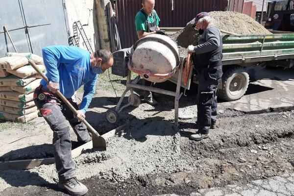Práce na obnove obecného úradu pokračovali aj tento rok.