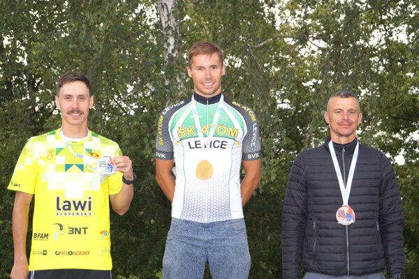 Hneď vo svojom prvom štarte vstrednom triatlonev kariére si  Matúš Verbovský vybojoval titul majstra Slovenska.