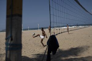 Na plážach v Riu de Janeiro, ako sú Copacabana či Ipanema, bude možné vykonávať kolektívne športy.