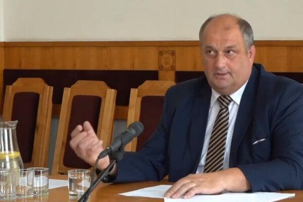 Slavomír Kožár pred výberovou komisiou.