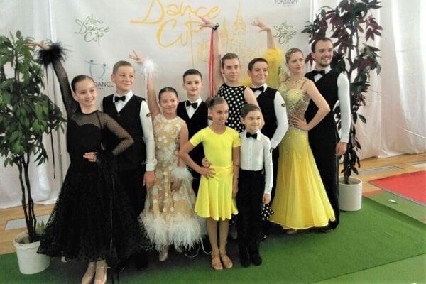 Tanečníci Aknely na súťaži v Žiline.
