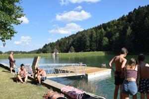 Na Klingeri budujú plaváreň.
