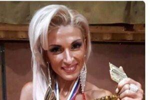 Anita Kuczmanová spohárom za víťazstvo.