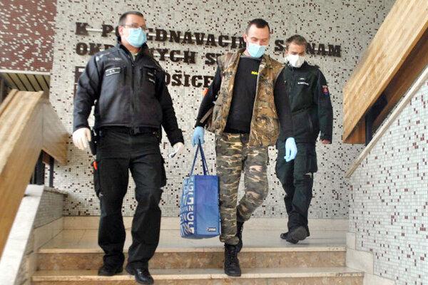 Milan v marci po rozhodnutí súdu skončil vo väzbe.