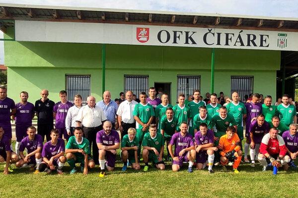 V Čifároch si na oslavu 50-tky zavolali futbalistov neďalekej Dyčky.