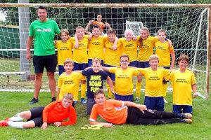 Mladší žiaci Veľkého Cetína vyhrali domáci turnaj.