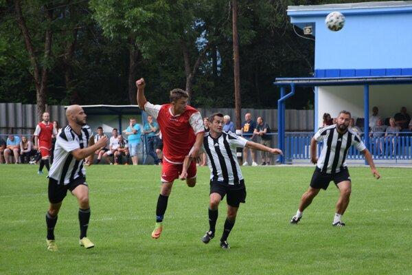 Finále turnaja obstarali futbalisti Veľkého Rovného a Petrovíc.