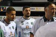 Po zápasovej premiére zľava Linhares, Jaballah a tréner Goluža.