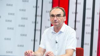 Šabata: Matovičova komunikácia na facebooku počas summitu bola nehodná premiéra