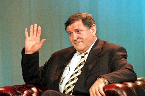 Vladimír Mečiar počas jeho televíznej rozlúčky v roku 1998.