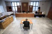 Pojednávacia miestnosť vo väznici v Justičnom paláci v Bratislave.