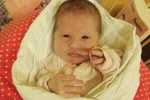 Jasmína Husáková (2570 g, 46 cm) sa narodila 22. júla Lenke a Igorovi zo Svinnej.