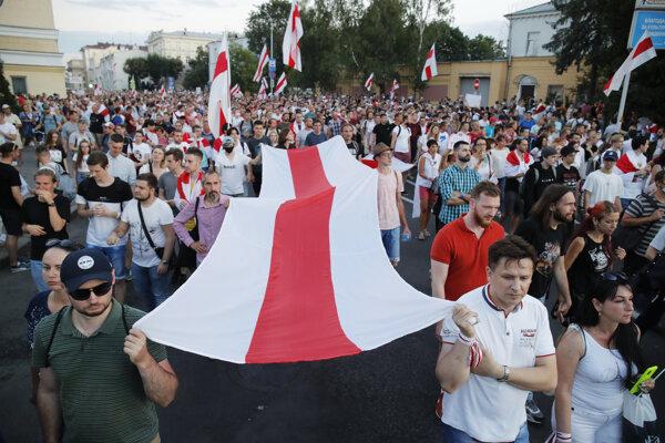 Bielorusi v uliciach