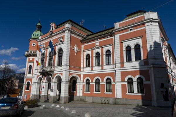 Na mestskom úrade v Ružomberku sa potvrdil zamestnancovi koronavírus.