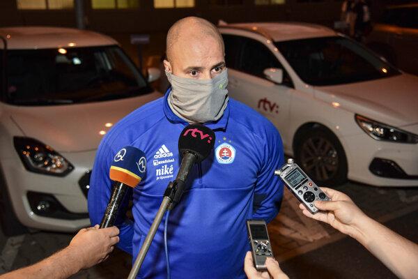 Generálny riaditeľ ŠK Slovan Bratislava Ivan Kmotrík ml. po prílete klubu z Faerských ostrovov.
