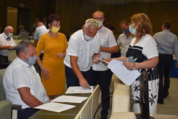 O držiteľoch Ceny mesta Humenné rozhodli poslanci v tajnej voľbe.
