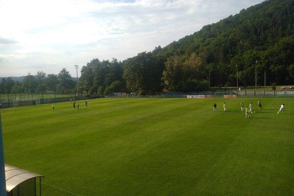 Na štadióne v Brezovej pod Bradlom sa z triumfu tešila Stará Turá.