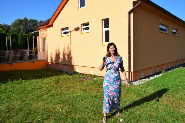 V Turčianskych Kľačanoch musia riešiť havarijnú situáciu vškolskej kuchyni, starostka Adriana Záborská tvrdí, že si budú musieť pre výpadky vrozpočte na opravy zobrať úver.