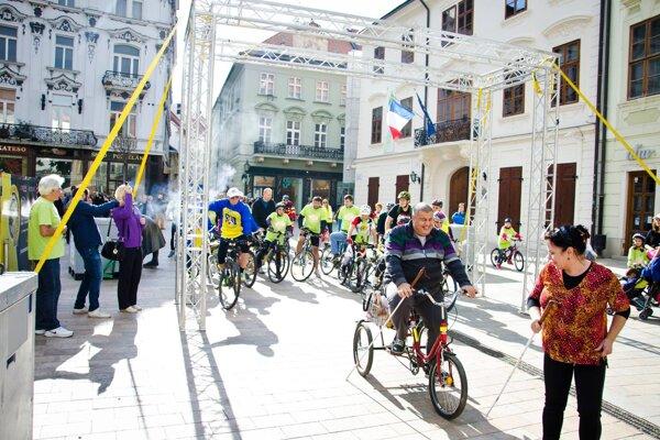 Na kolesách proti rakovine v Bratislave.