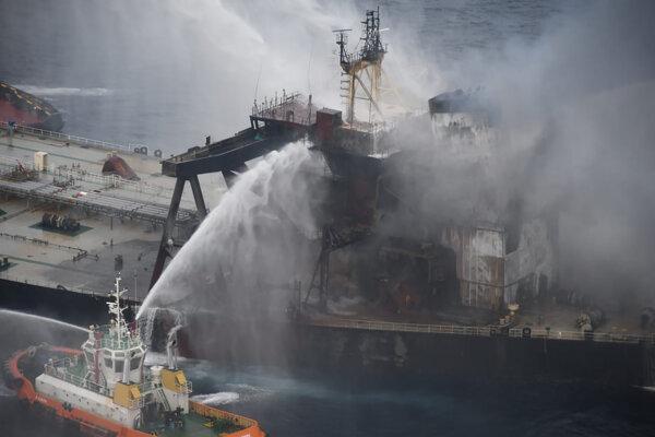 Boj s ohňom na lodi MT New Diamond 8. septembra 2020.