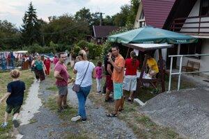 Víno a pohodová atmosféra prilákalo do údolia želovských pivníc aj tento rok stovky návštevníkov.