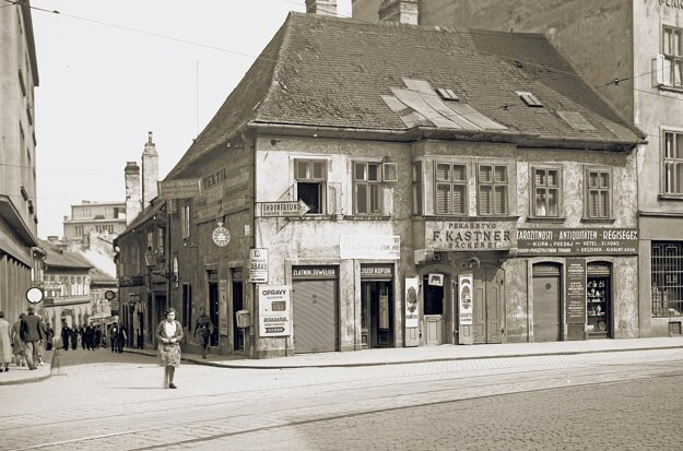 Pekárstvo Franza Kastnera, ktoré neskôr prevzal jeho syn Emil, fungovalo na Suchom mýte v Bratislave od konca 19. storočia do roku 1944.