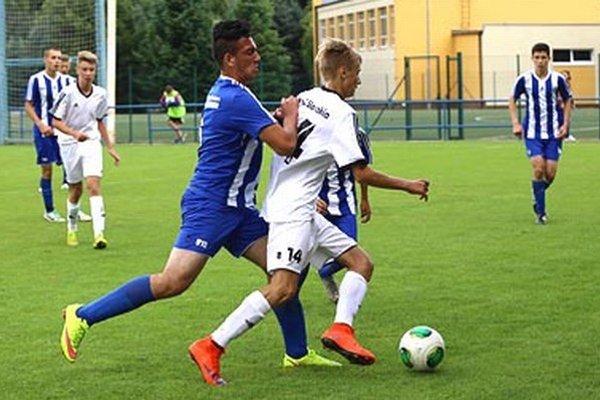 Obidve barážové víťazstvá pečatil gólovo Adam Mihálik (v bielom s loptou).