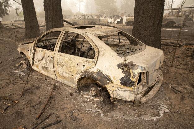 Požiar Beachie Creek zničil časti mesta  Lyons v Oregone.