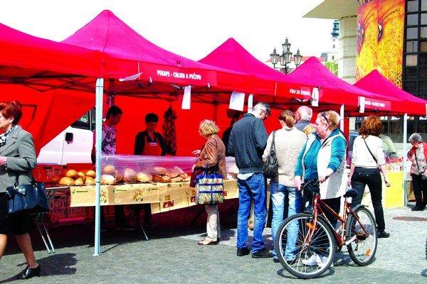 Farmárske trhy boli vlani na Svätoplukovom námestí.